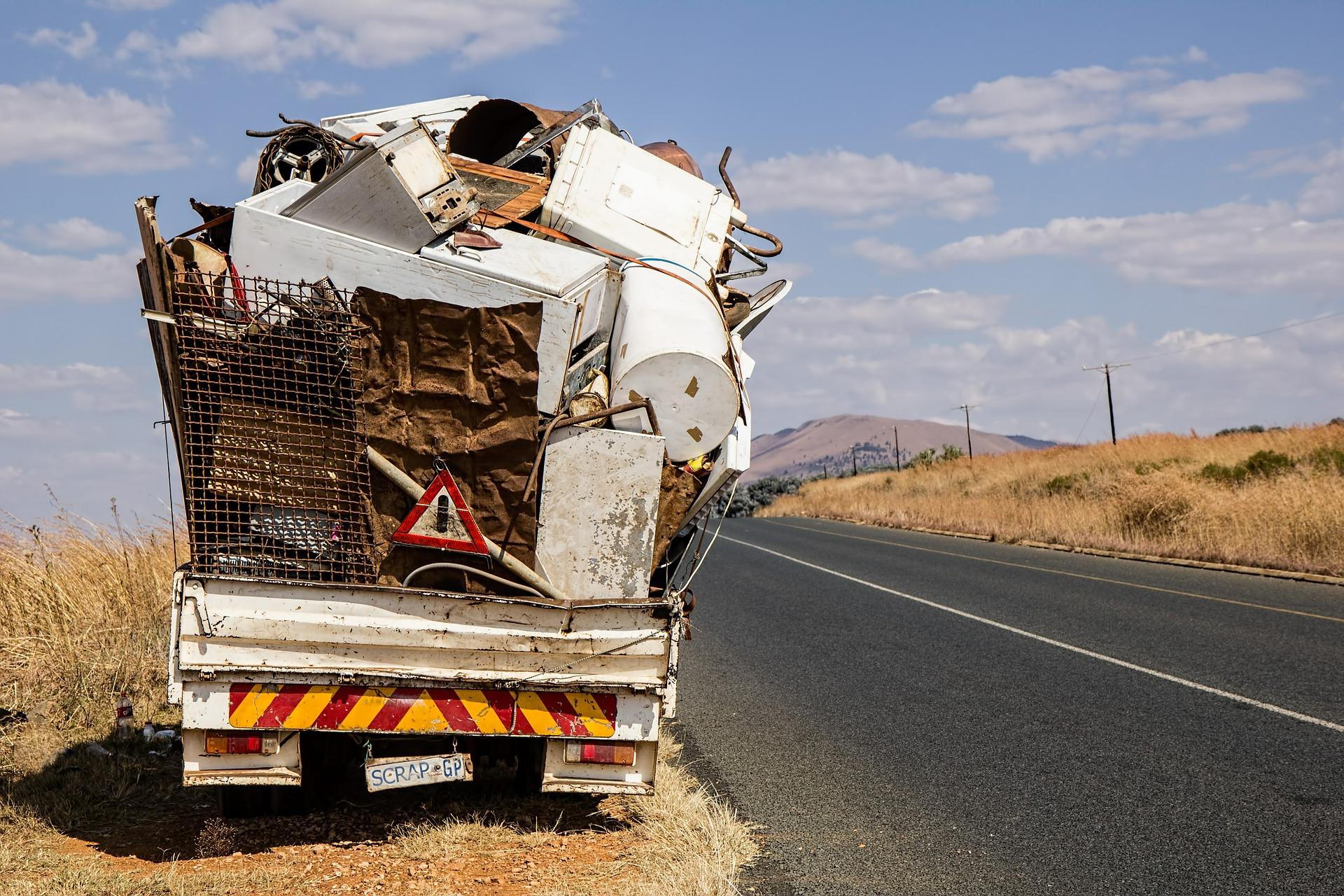 make money with a junk removal business