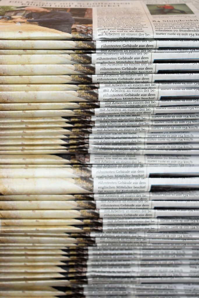 where to get free newspapers for packing near me