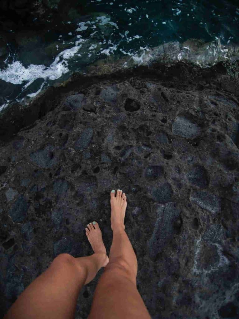 how to sell feet pics successfully