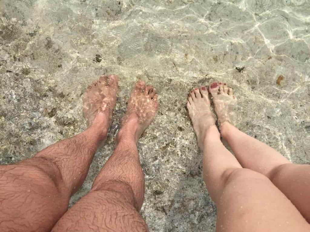 how to sell feet pics without getting scammed