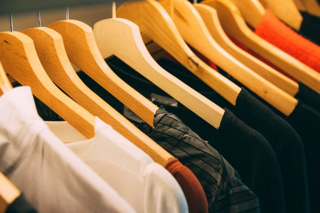 stores that buy used clothes