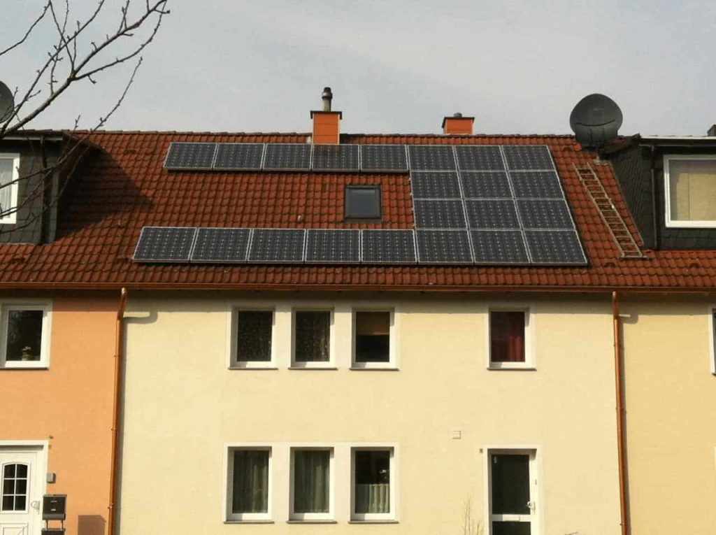 how to save money using solar panels